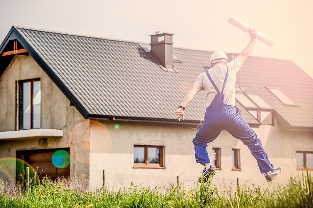 Ho acquistato la prima casa di mio figlio con un mutuo a mio carico. Posso detrarre gli interessi passivi?
